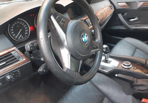 Certified white 2010 BMW 530i automatic in good condition-1
