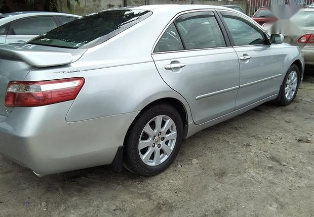 Neat Foreign used Toyota Camry 3.5 XLE 2008 Silver-3