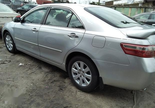 Neat Foreign used Toyota Camry 3.5 XLE 2008 Silver-6
