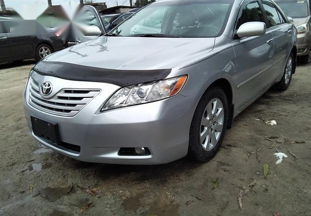 Neat Foreign used Toyota Camry 3.5 XLE 2008 Silver-0