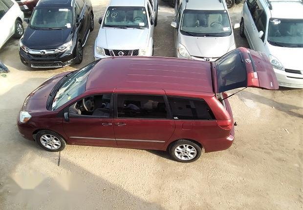 Neat Foreign used Toyota Sienna 2005 CE Red-3