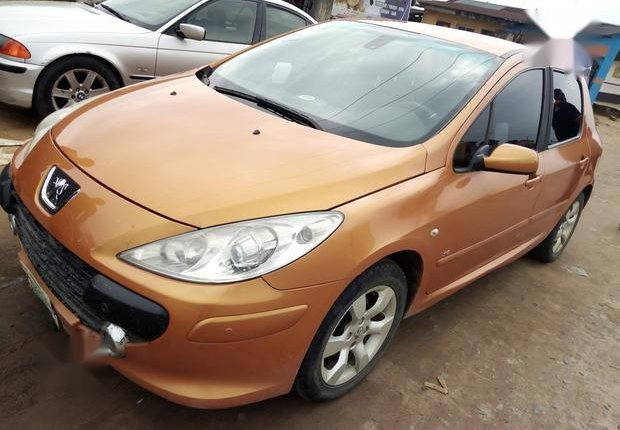 Well Maintained Nigerian used Peugeot 307 2009 CC 1.6 Gold-0