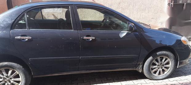 Neat Nigerian used Toyota Corolla 2005 Black-2