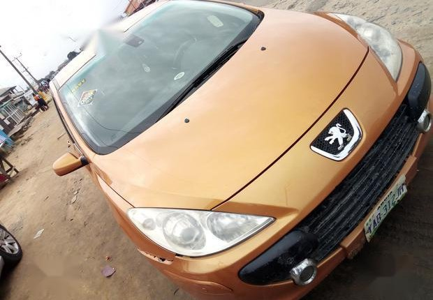 Well Maintained Nigerian used Peugeot 307 2009 CC 1.6 Gold-7