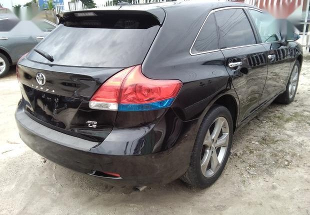 Very Clean Foreign used  Toyota Venza 2013 LE AWD V6 Black-1