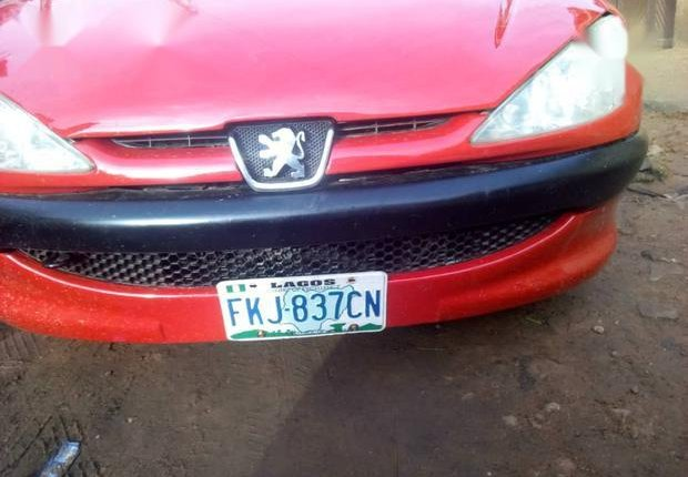 Neat Nigerian used Peugeot 206 2000 Red-0