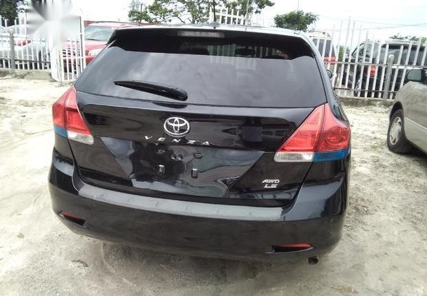 Very Clean Foreign used  Toyota Venza 2013 LE AWD V6 Black-4