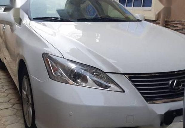 Clean Tokunbo Lexus ES 2008 White-4