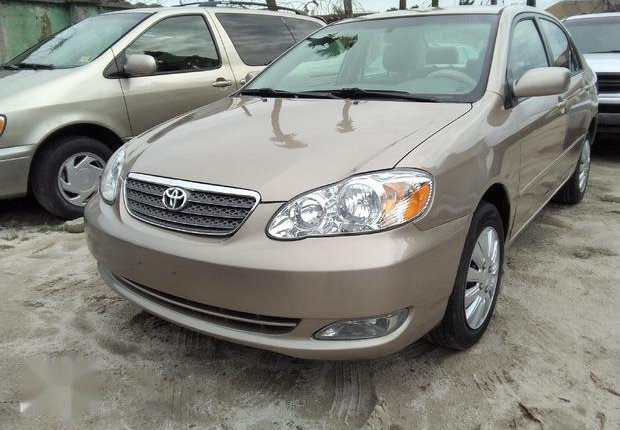 Very Clean Foreign used Toyota Corolla LE 2006 Gold-0