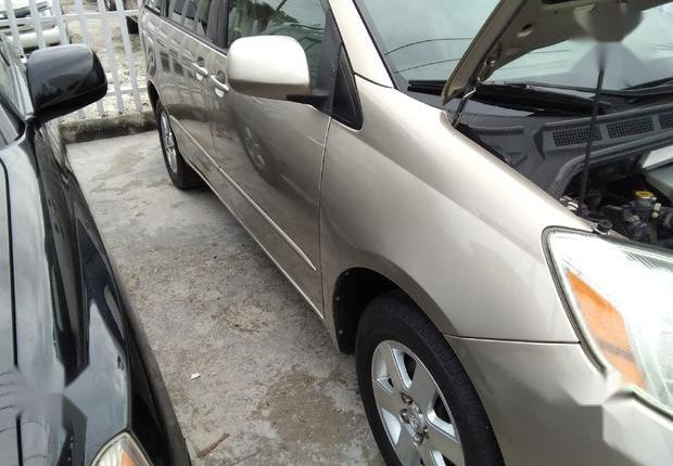 Very Clean Foreign used Toyota Sienna 2005 XLE Limited Gold-5