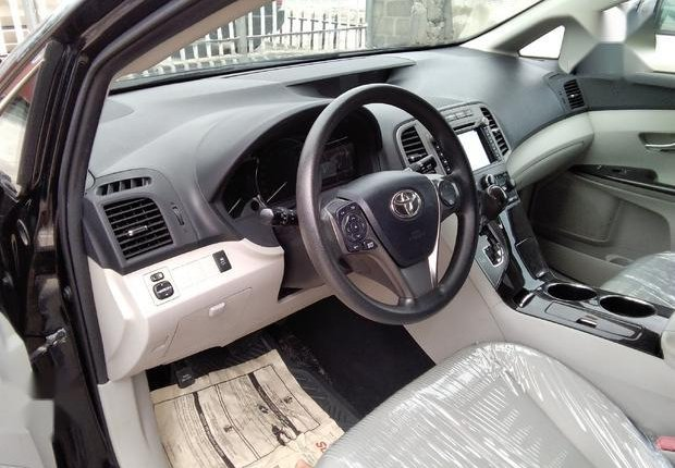 Very Clean Foreign used  Toyota Venza 2013 LE AWD V6 Black-5