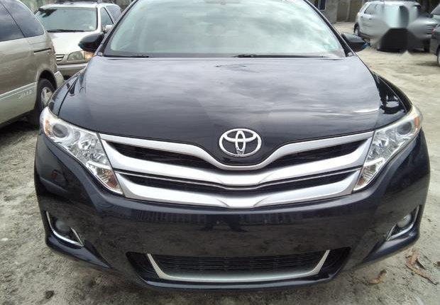 Very Clean Foreign used  Toyota Venza 2013 LE AWD V6 Black-0