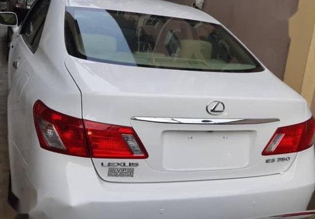 Clean Tokunbo Lexus ES 2008 White-0