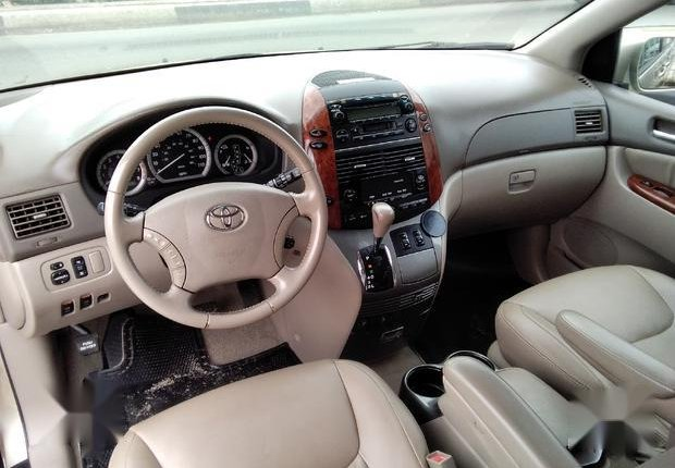 Very Clean Foreign used Toyota Sienna 2005 XLE Limited Gold-1