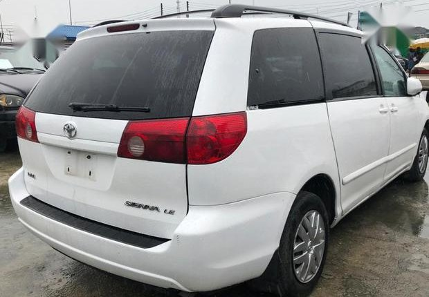 Super Clean Foreign used Toyota Sienna 2006 White-7