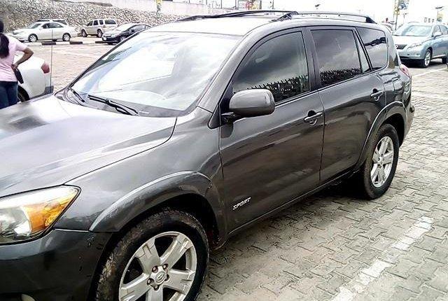 Clean Nigerian Used  Toyota RAV4 2006-5