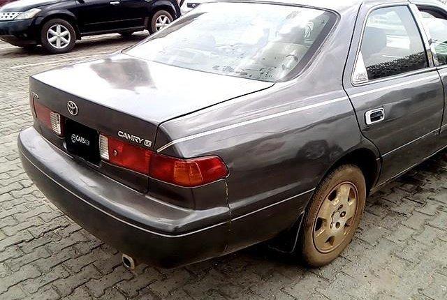 Neat Nigerian Used Toyota Camry 2001-9