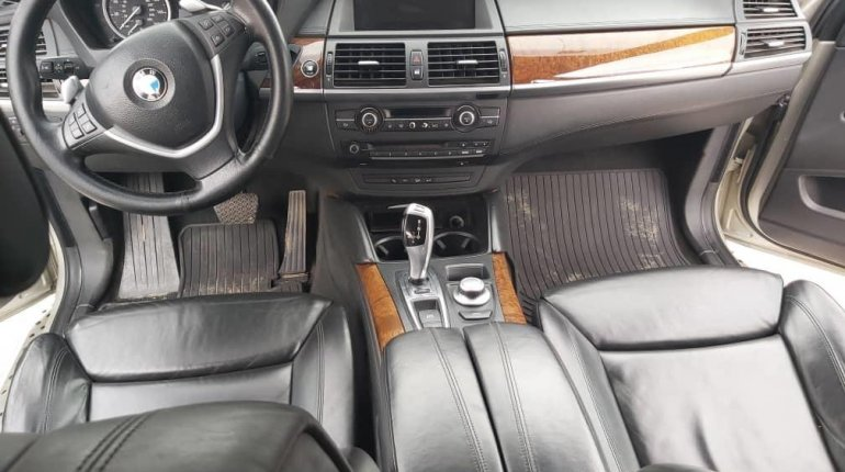 Foreign Used BMW X6 2010-4
