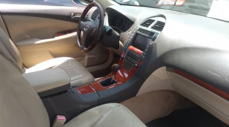 Very Clean Foreign used Lexus ES 2010-5