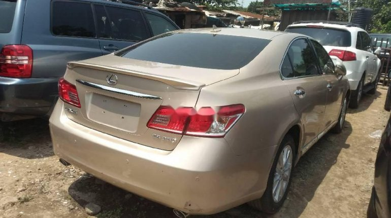 Very Clean Foreign used Lexus ES 2010-3