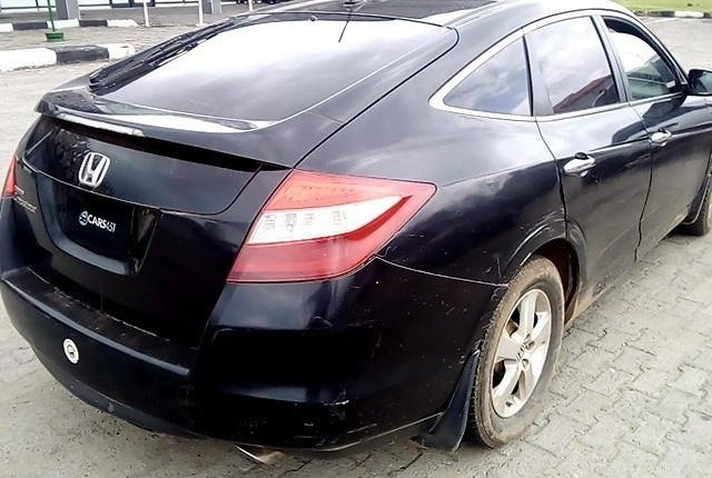 Neat Nigerian used  Honda Accord CrossTour 2010-9