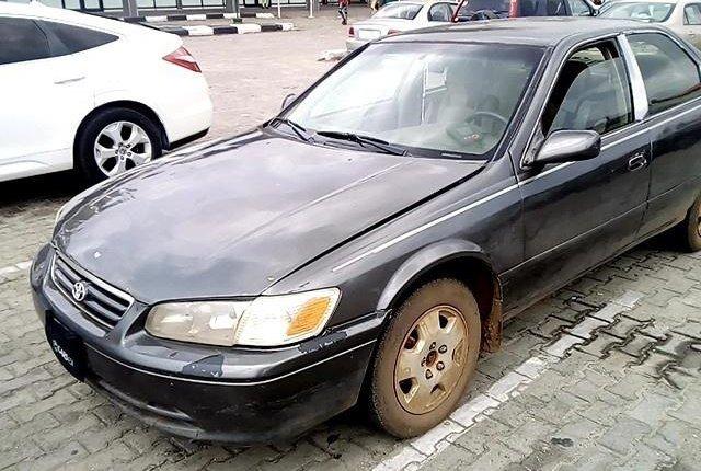 Neat Nigerian Used Toyota Camry 2001-3