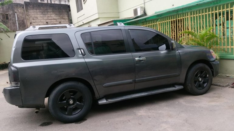Neat Nigerian used Nissan Armada 2005-3