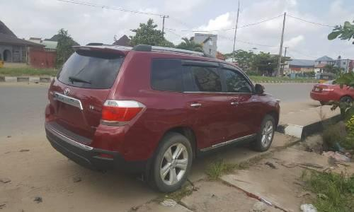 Neat Foreign used Toyota Highlander 2012 -2