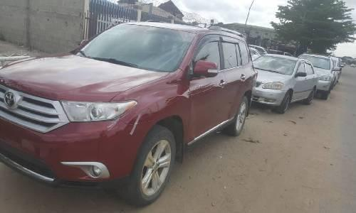 Neat Foreign used Toyota Highlander 2012 -4