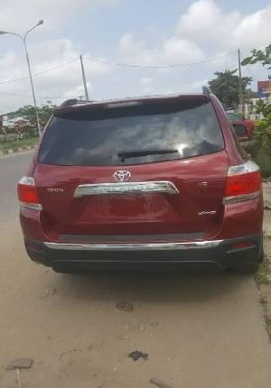 Neat Foreign used Toyota Highlander 2012 -7