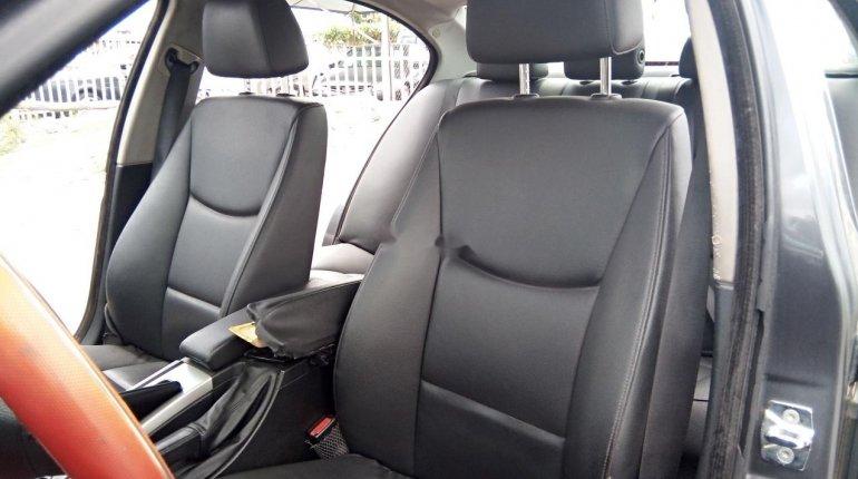 Neat Nigerian used BMW 318i 2007-10