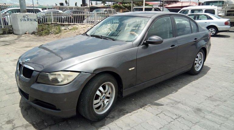 Neat Nigerian used BMW 318i 2007-0