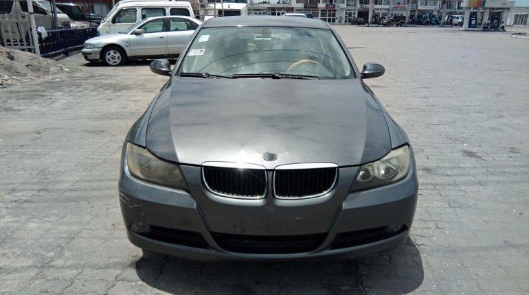 Neat Nigerian used BMW 318i 2007-1