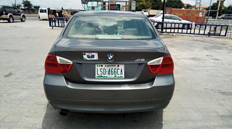 Neat Nigerian used BMW 318i 2007-12