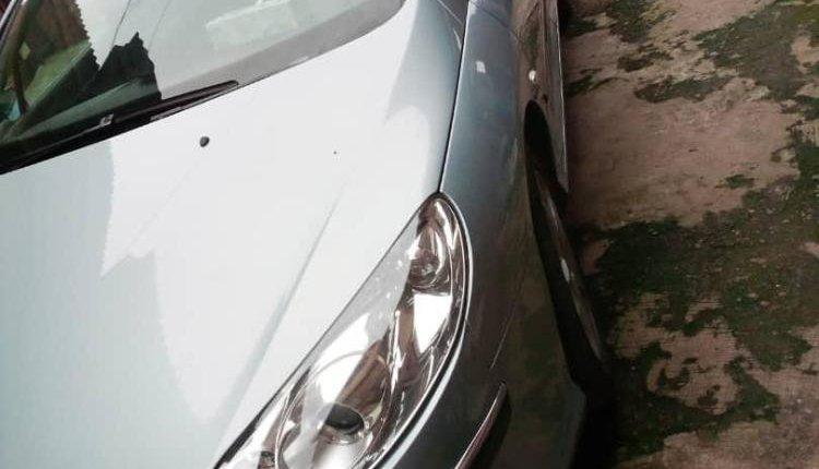 Neat Foreign used 2006 Peugeot 407-7