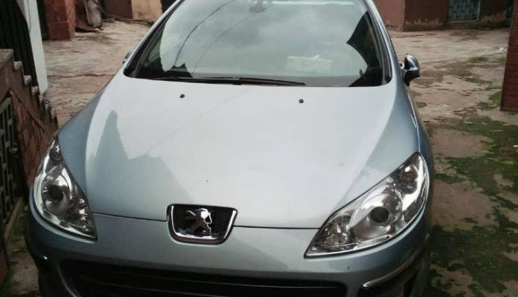 Neat Foreign used 2006 Peugeot 407-8