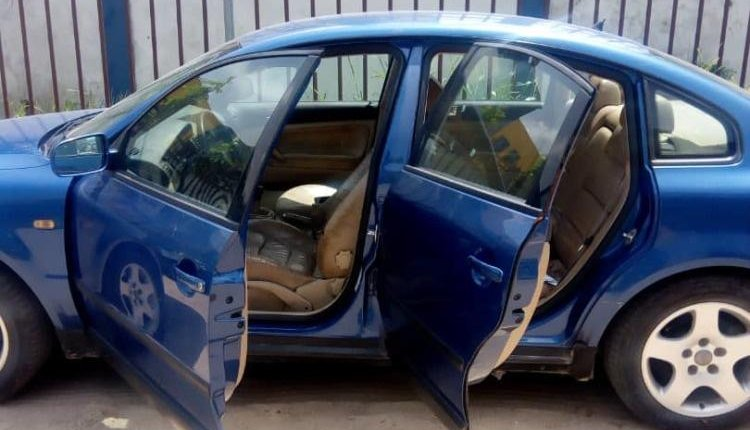 Well Maintained Nigerian used Peugeot 607 2011-3