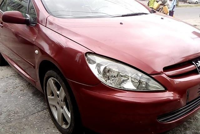 Well Maintained Nigerian used 2008 Peugeot 307-4