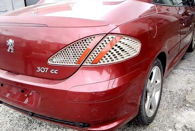 Well Maintained Nigerian used 2008 Peugeot 307-9