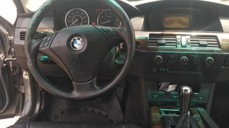 Neat Nigerian Used BMW 530i 2005 Grey/Silver-2