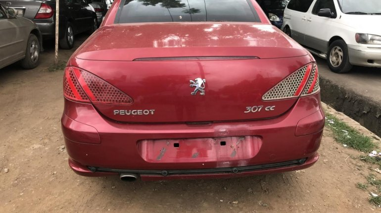 Properly maintained Nigerian used Peugeot 307 2004-3
