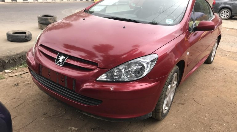 Properly maintained Nigerian used Peugeot 307 2004-0