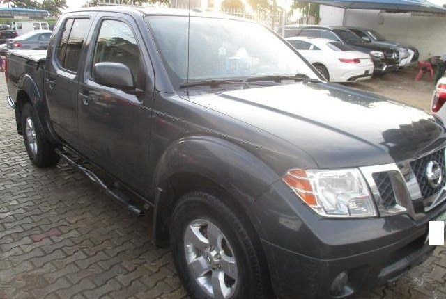 Clean Nigerian Used Nissan Frontier 2012 Grey/Silver-1