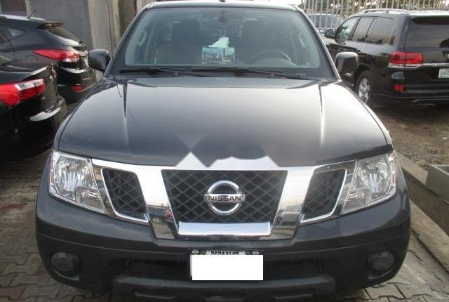 Clean Nigerian Used Nissan Frontier 2012 Grey/Silver-0