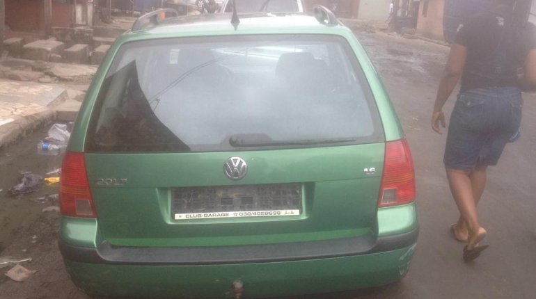 Clean Foreign Used Volkswagen Golf 2003 Green-1