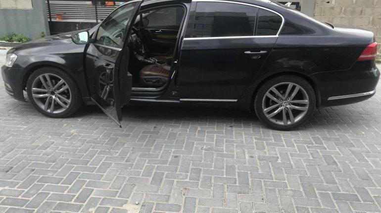 Clean Nigerian Used Volkswagen Passat 2015 Model Black -2
