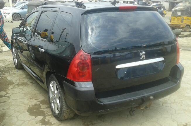 Clean Foreign Used Peugeot 307 2004 Model Black-5