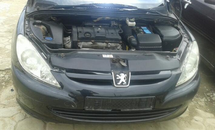 Clean Foreign Used Peugeot 307 2004 Model Black-2