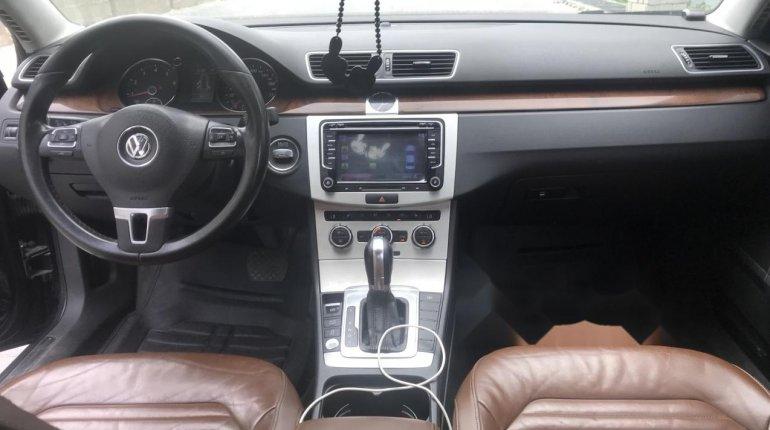 Clean Nigerian Used Volkswagen Passat 2015 Model Black -4
