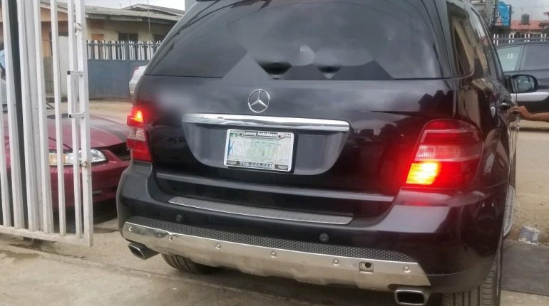 Nigerian Used Mercedes-Benz ML350 2007 Model Black-3